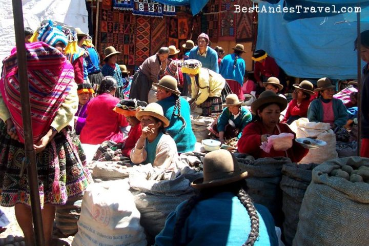 Pisaq market Sacred Valley tour