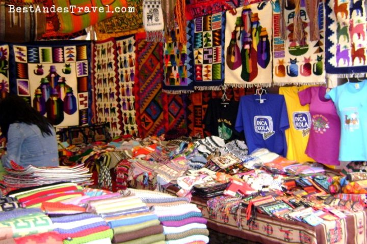 Pisaq Textiles Sacred Valley tour