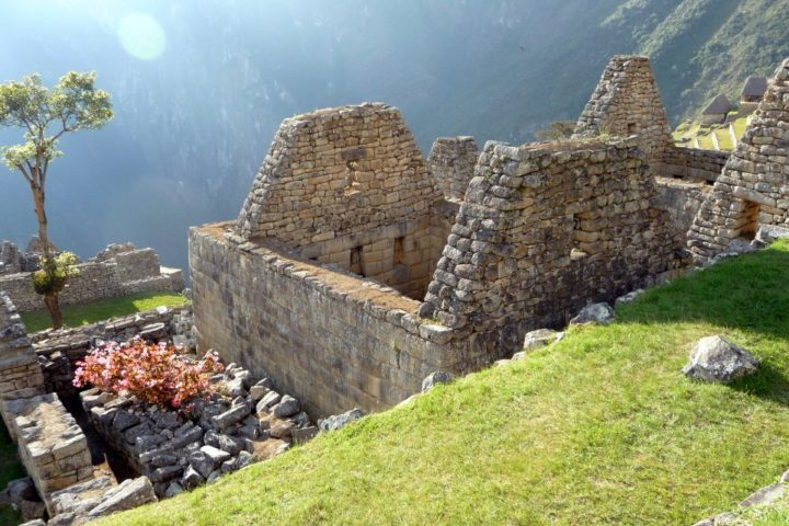 house-of-the-priest-machu-picchu-pictures