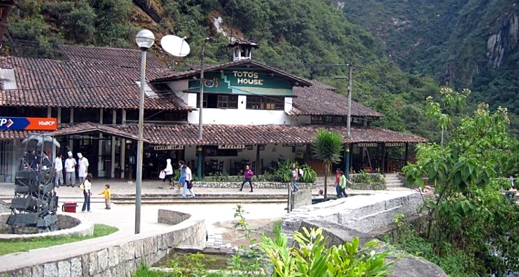 Toto's house restaurants in Machu Picchu